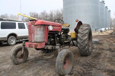 Tractor massey 125