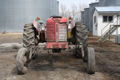 Tractor massey 121