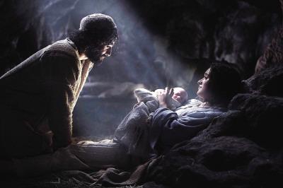 Nativity-Isaac-Castle-Hughes